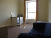 flat to rent queens drive glasgow