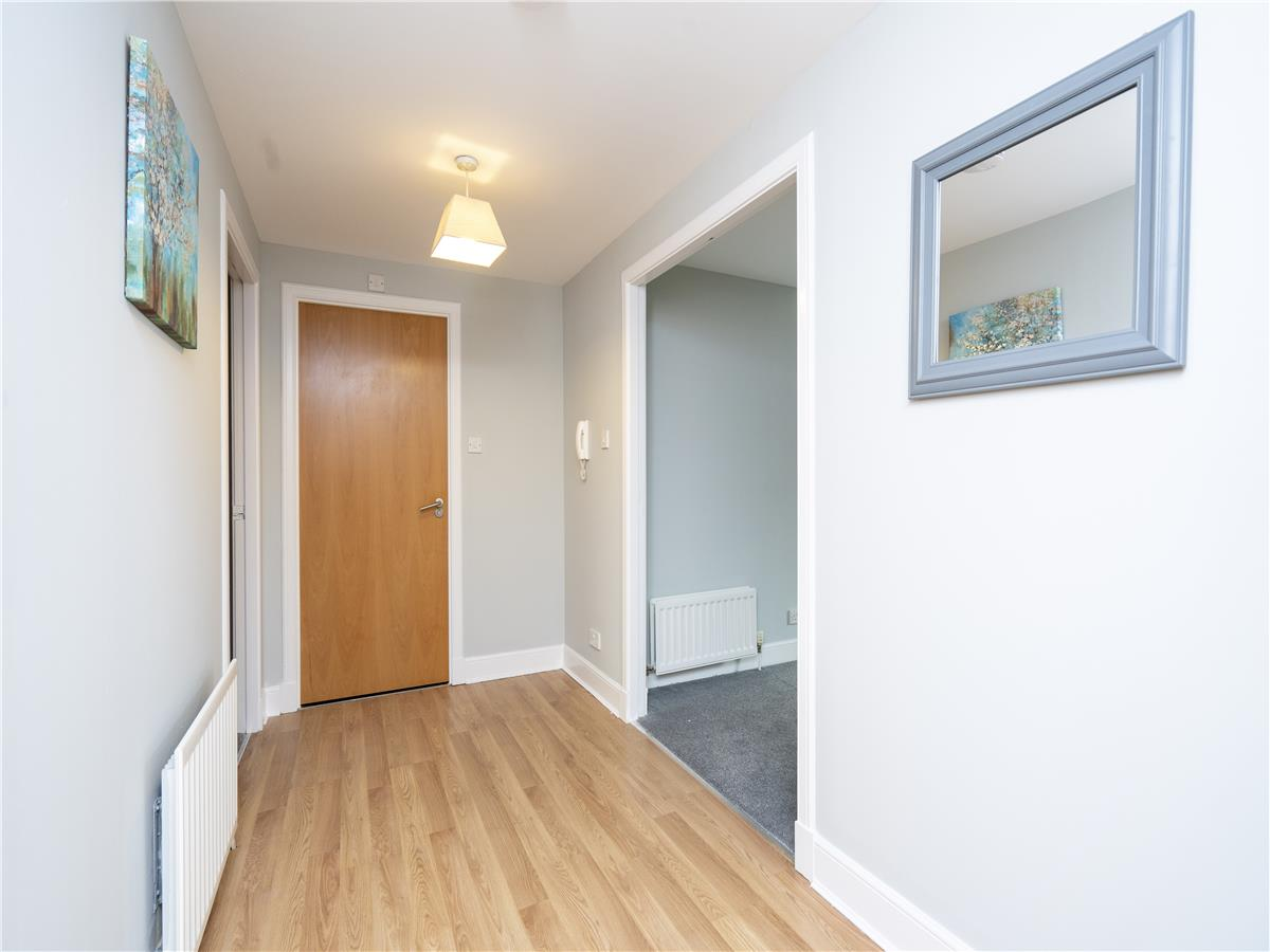 Property for rent at 9/2 Cables Wynd