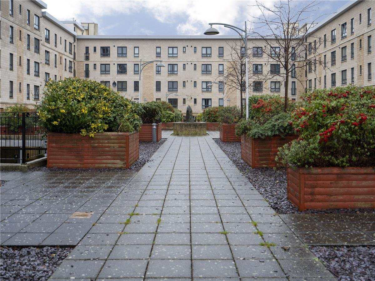 Property for rent at Flat 5, 7 Waterfront Gait
