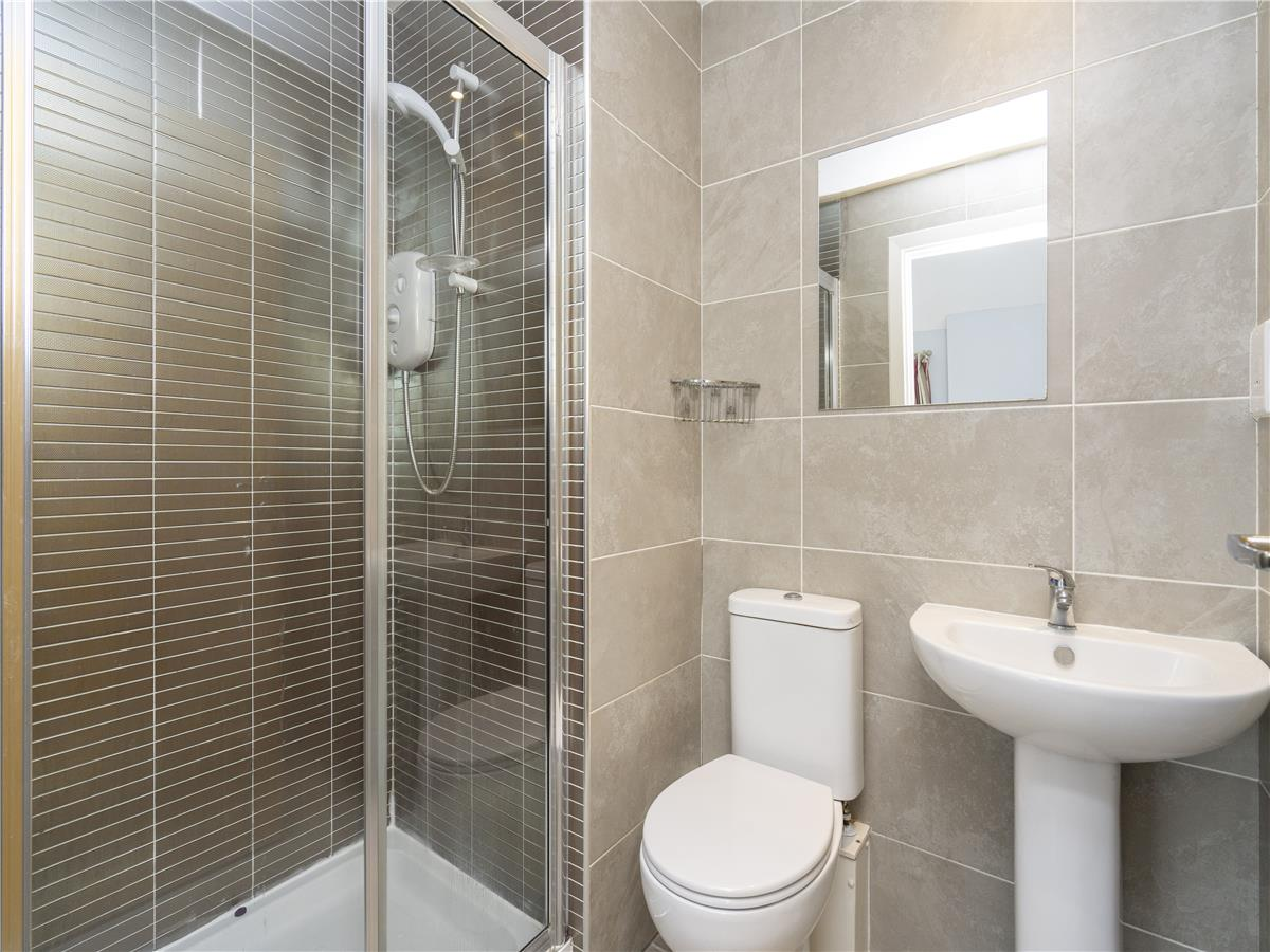 Property for rent at 19/13 Lochend Park View