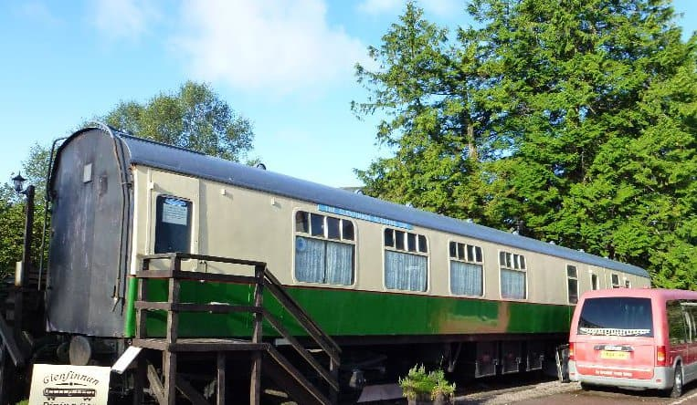 glenfinnan-sleeping-car-outside