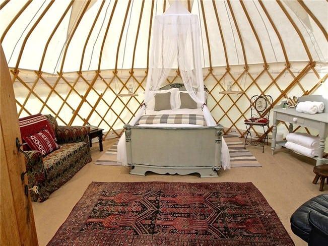 glumping-yurts