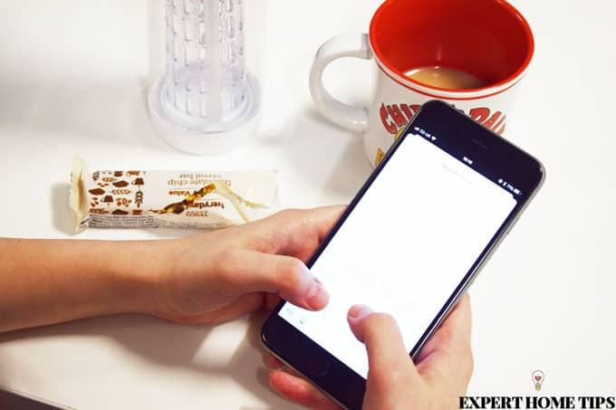 texting-flatmates