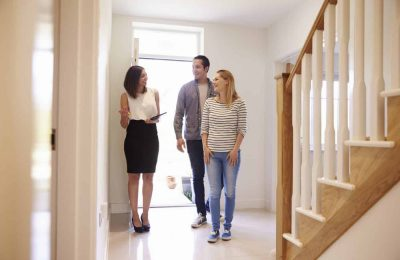 What Escapes Tenants' Attention during Viewings?